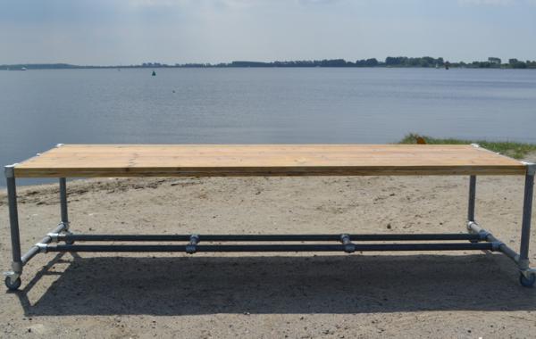 STEIGERHOUT Tafel met steigerbuis frame